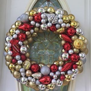 Other - Stunning Christmas Wreath! 22x22""